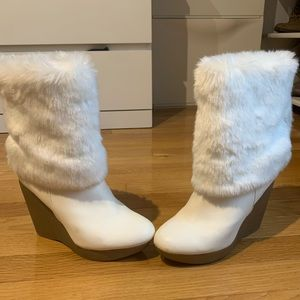 Jennifer Lopez white wedge boots